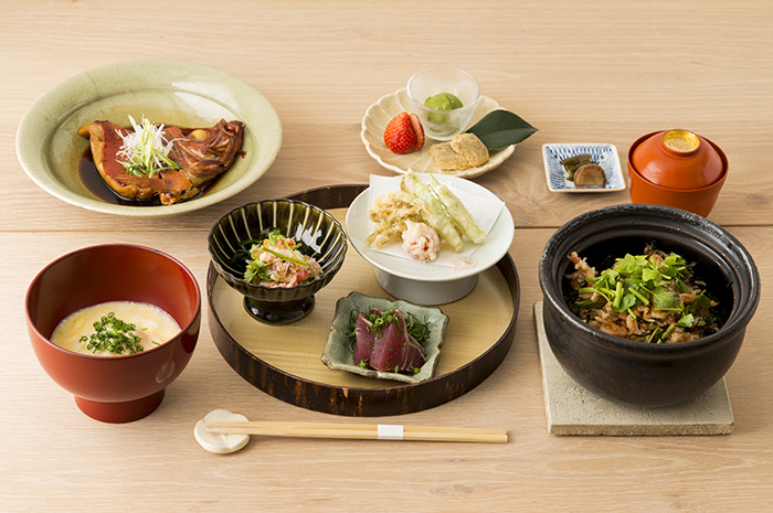 AKOMEYA厨房5周年記念 <¥5,555 特別コース>