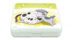小物ケース(ラムネ付き)「犬と猫どっちも飼ってる毎日たのしい」01/犬くん&猫さま <価格> ¥ 800(税抜) <発売日> 2020.12.27 ケースに個包装ラムネが10個入った商品。ケースは小物入れとしてお使いになれます。